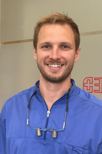 Dr. Komáromy-Poros Gergő